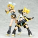 Displayed with Kagamine Rin. (sold separately)