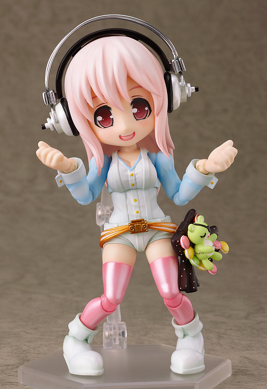 Wing S.K series Super Sonico action figure